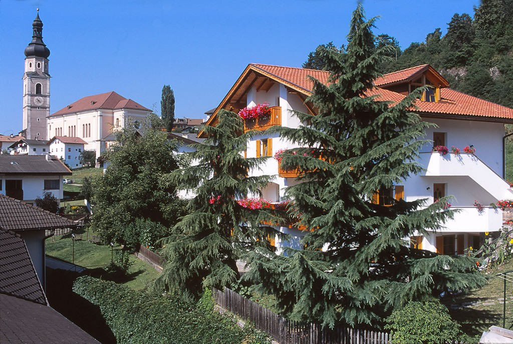 Apartments in House Sonnenbuehl - Castelrotto - Dolomites